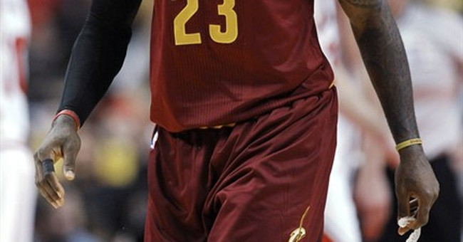 James rebounds, leads Cavaliers past Bulls