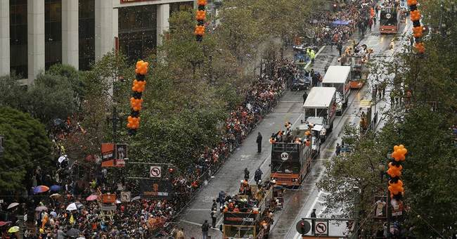 Third victory parade in 5 years charms Giants fans