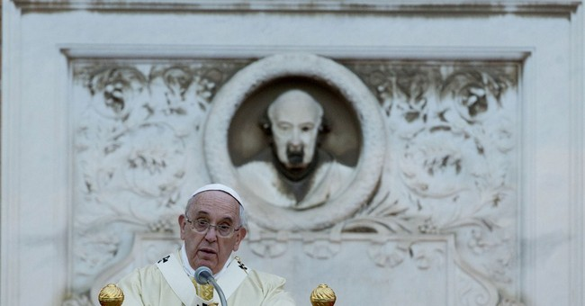 Pope hails the poor, homeless as 'unknown saints'