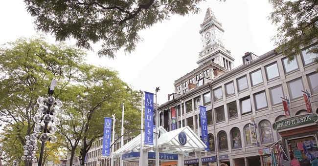 Quincy Market and the 'festival marketplace'
