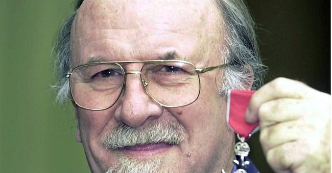 Jazz clarinetist Acker Bilk dead at 85
