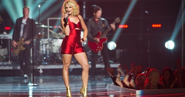 Miranda Lambert is 'All About That Bass'