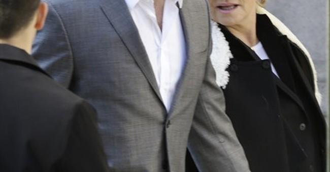 Celeb-packed funeral held for Oscar de la Renta