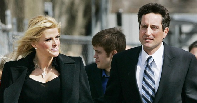 Court: Anna Nicole Smith manager can be retried