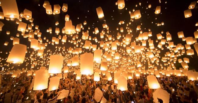Lanterns barred near airports during Thai festival