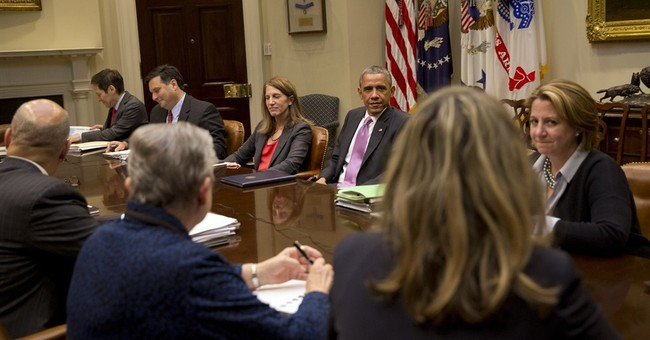 Obama gets Ebola update from virus response team