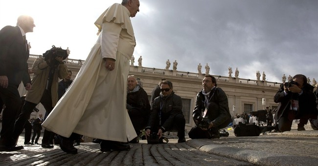 Pope mulls removing marriage annulment charges