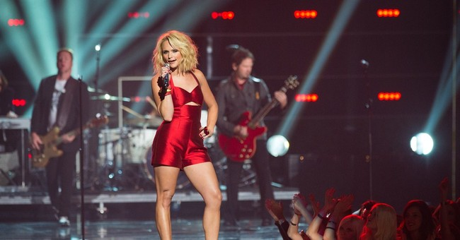 Miranda Lambert vs. the men at 2014 CMAs