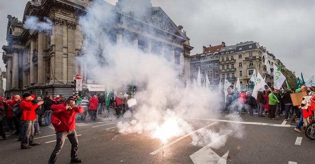 100,000 workers protest Belgian labor reform