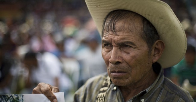 Guatemala apologizes to people displaced for dam