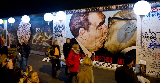 Germany marks 25 years since Berlin Wall's fall