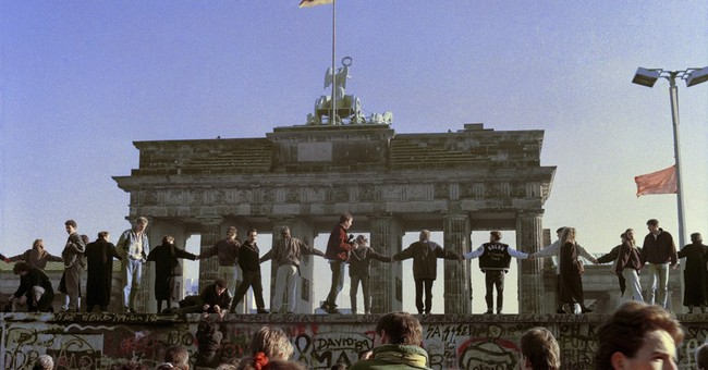 5 things to know about the Berlin Wall
