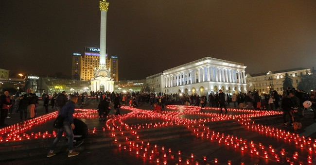 Heavy shelling shakes Ukraine's main city in east