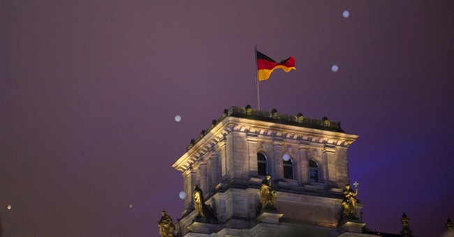 Balloons symbolize fall of Berlin Wall