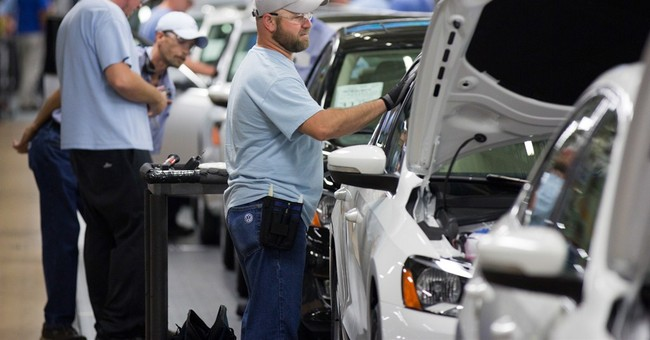 Tenn. governor downplays VW labor policy on UAW