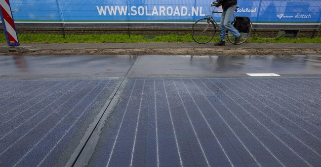 Dutch to test solar panels on bicycle path