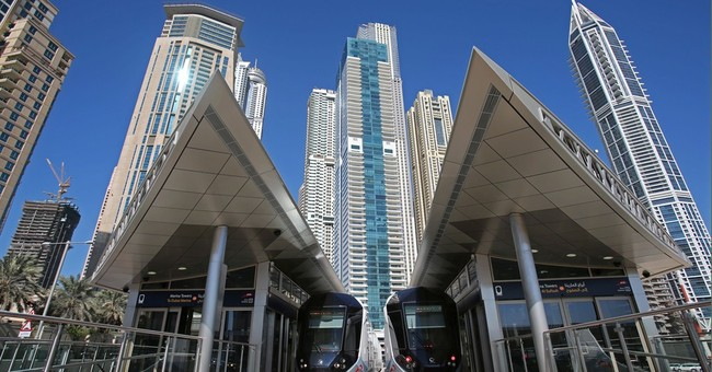 Dubai woos commuters with first tram line
