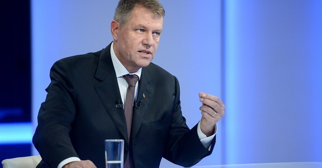 Romanian PM takes on mayor in presidential runoff