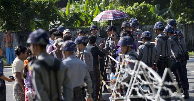 Obama oozes support for Myanmar's Aung San Suu Kyi