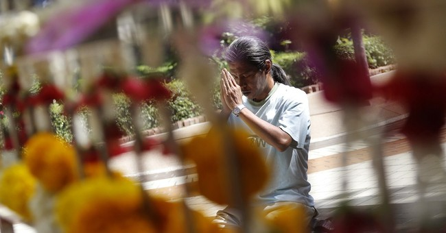 Image of Asia: Prayers for ailing Thai king