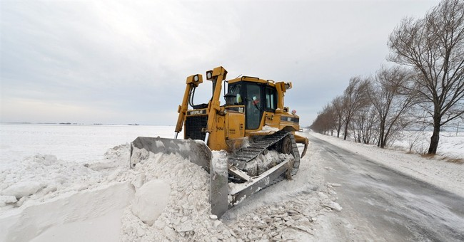 Serbia: 1,000 evacuated from snow-hit cars, buses