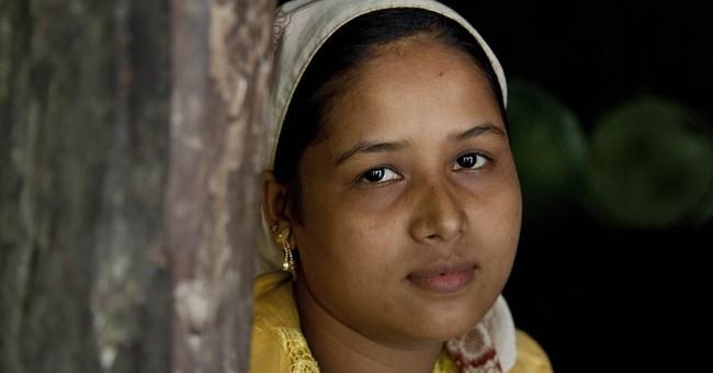 As fears rise in Myanmar, Rohingya exodus grows