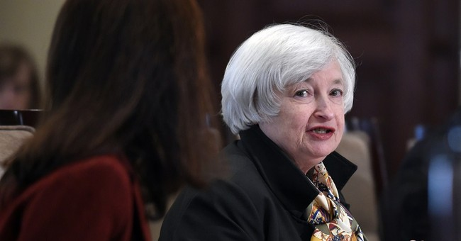 Fed sees solid US economy, despite new threats