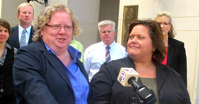 1st gay marriage licenses issued in South Carolina