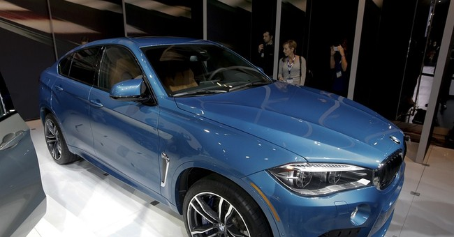 L.A. becomes stage for high-speed luxury cars