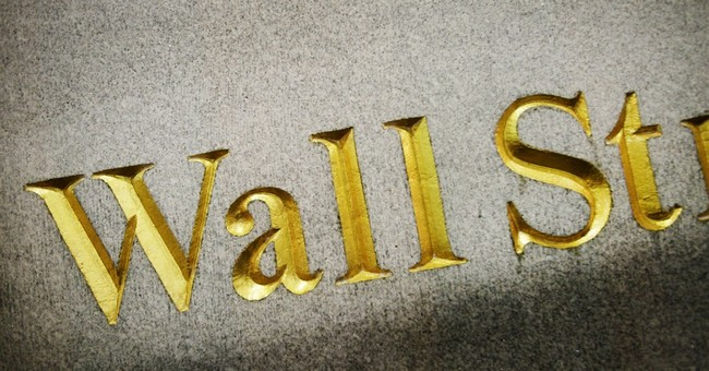 US indexes edge higher; Homebuilder stocks gain
