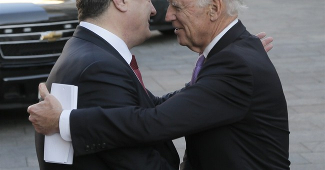 Biden urges Russia to uphold east Ukraine truce