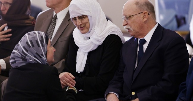 Hundreds honor Indiana aid worker slain in Syria