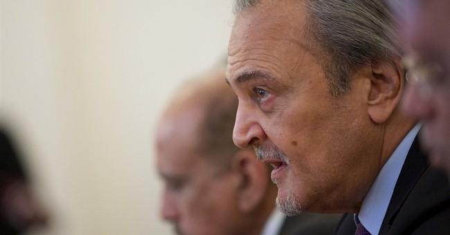 Russian FM: politics must not affect oil decisions