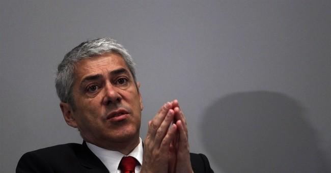 Portuguese ex-premier kept in jail amid fraud case