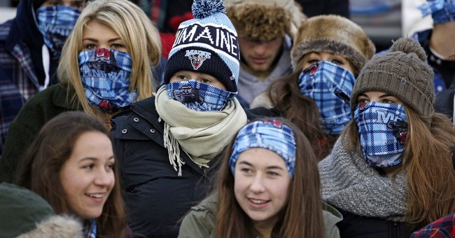 UMaine fans fail to set world record for flannel