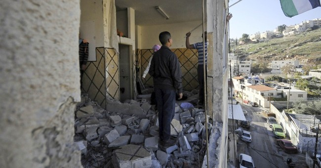 Israel resumes razing homes to punish attackers