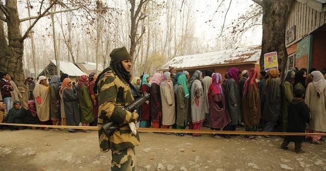 Thousands vote in Indian Kashmir amid boycott call