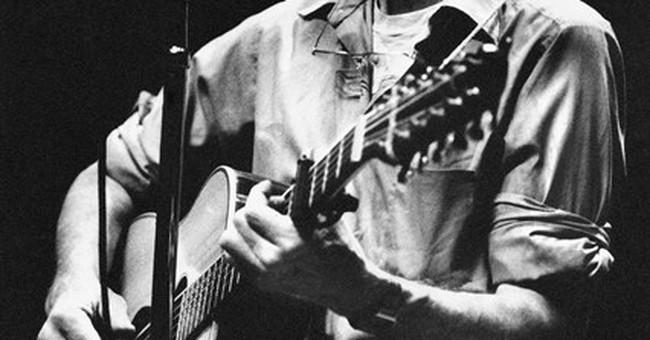 Songs by friends, fans mark Pete Seeger memorial