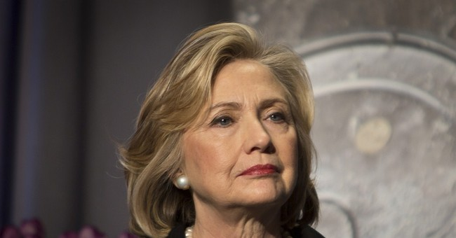 Eyeing 2016, Clinton selective on policy issues