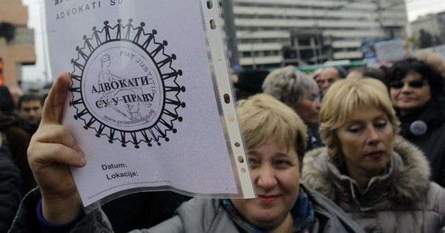 Hundreds of striking lawyers rally in Serbia