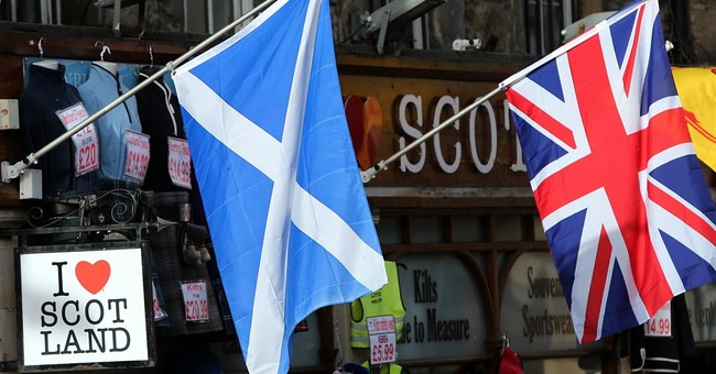 Scots to get new powers after rejecting separation