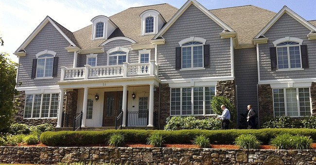 Police return to Hernandez home seeking sneakers
