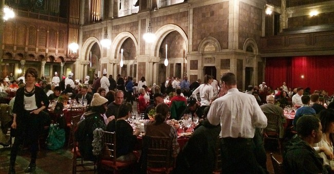NY dinner puts wealthy and homeless at same tables