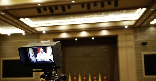 Pope urges more Muslim opposition to IS in Turkey