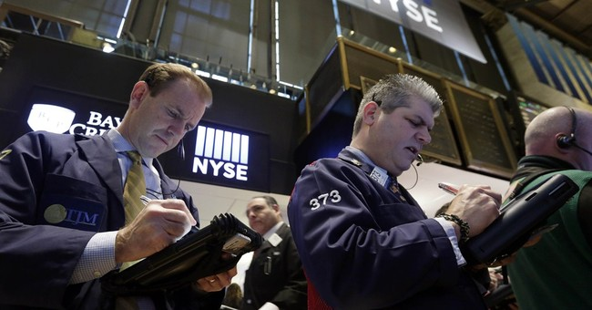 S&P 500 ends lower as oil slump hits market