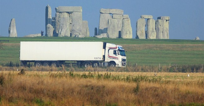 Tunnel to silence traffic roar at Stonehenge site