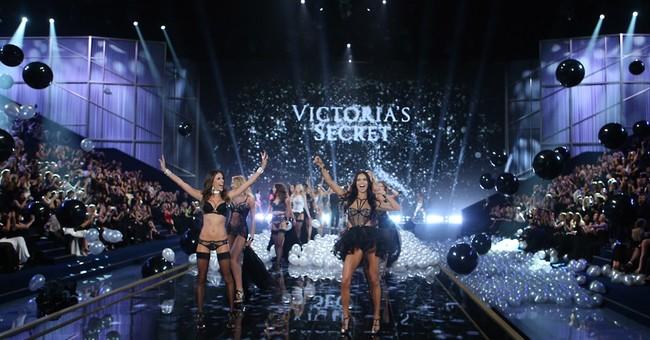 Taylor Swift stars at Victoria's Secret show