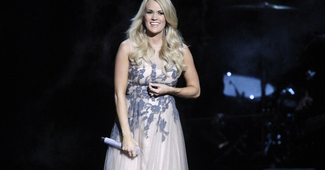 Underwood joins country artists with fashion line