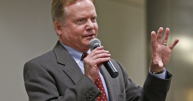 Ex-Va. Dem Sen. Webb to decide soon on 2016 race