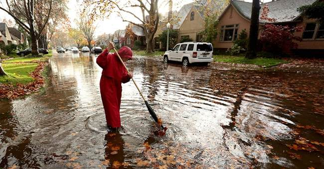 Flash flooding strands drivers in California